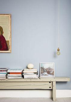 4 delikate og feminine stilleben Light blue pastel wall color Scandinavian living style set up and d Blue Furniture, Find Furniture, Inspiration Wand, Pastel Walls, Scandinavian Living, Living Styles, My New Room, Wall Colors, Wall Design