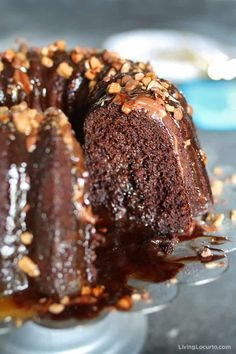Better Than Sex Cake is one chocolate cake you won't be able to resist! A delicious bundt cake filled with caramel and topped with chocolate sauce Heath toffee bits and homemade whipped cream will soon become one of your favorite desserts! Punch Recipes, Cake Recipes, Dessert Recipes, Pizza Recipes, Chocolate Bundt Cake, Chocolate Desserts, Better Than Sex Cake Recipe, Homemade Whipped Cream, Cupcake Cakes