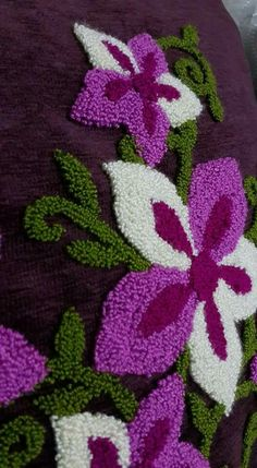 Border Embroidery Designs, Simple Embroidery, Hand Embroidery Patterns, Cross Stitch Embroidery, Machine Embroidery, Punch Needle Patterns, Latch Hook Rugs, Punch Art, Rug Hooking
