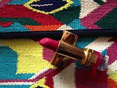 Barra de labios de Esteé Lauder 02 fucsia velvet