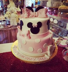 www.carinaedolce.com #carinaedolce www.facebook.com/carinaedolce Minnie Mouse Birthday Cakes, Childrens Parties, Facebook, Party, Desserts, Food, Meal, Deserts, Essen