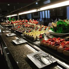 Dessert table - dessert buffet - Riu Palace Mexico - RIU Hotels & Resorts - All Inclusive