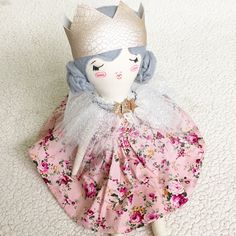 GiddyUpGertrude dolls are meticulously handmade in my home studio. Each doll stands at 60cm with a hand painted face
