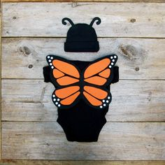 Butterfly Toddler Costume / Baby Halloween Costume / Monarch Butterfly from TheWishingElephant on Etsy. Saved to kids. Butterfly Halloween Costume, Animal Halloween Costumes, Cute Halloween, Infant Halloween, Halloween 2017, Butterfly Kids, Monarch Butterfly, Toddler Costumes, Baby Costumes