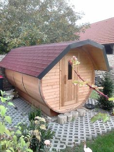 Diy Sauna, Indoor Outdoor, Shed, Outdoor Structures, Italy, Bathing, Barns, Inside Outside, Sheds