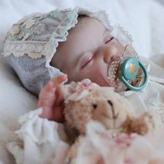 Prototype Evangeline Eagles by Laura Cosentino available on Ebay Auction. Start auction: January 19th 2016  End auction: January 26th, 2016 Info: www.laurareborndolls.it  Pre-Order Kit Baby Evangeline, Thursday, January 28th, 2016 12 pm Eastern Standard Time Info: www.lauraleeoriginals.com