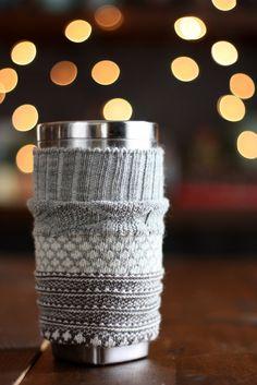 How to make a travel coffee mug cozy from a sock #coffeecozy #homemadegifts