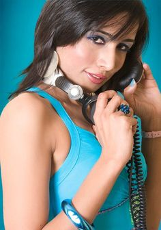DJ SONEE!! http://www.simplytop10.com/top-10-hottest-female-djs-in-india-wholl-get-your-feet-tapping/