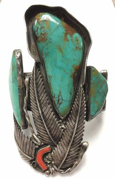 1930s - 1940s Antique Native American Zuni Museum Quality Bisbee Turquoise Coral Cuff Bracelet - 267 grams. This is a breathtaking very nice