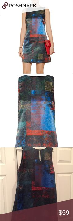 Alice + Olivia multi colored Clyde dress Printed twill. Fully lined. Hook and zip fastening at back. 100% polyester; lining 94% polyester 6% elastine. 33.75 long, 39.25 bust 39.25 waist. Alice + Olivia Dresses Mini