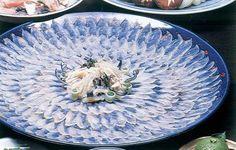 天然のとらふぐ てっさ (Fresh slices of a globefish )