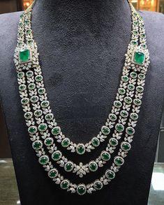 Ali baba Selani gold and diamond splyer Dubai. diamond jewellery sets jewelry 28 Fabulous Diamond Jewelry Sets That Will Leave You Awestruck Emerald Jewelry, Diamond Jewelry, Diamond Rings, Gemstone Jewelry, Jewelry Sets, Fine Jewelry, Avery Jewelry, Jewelry Making, Couple Jewelry