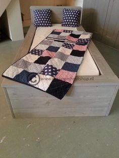 Steigerhout bed, 1-persoons.: http://link.marktplaats.nl/858792011