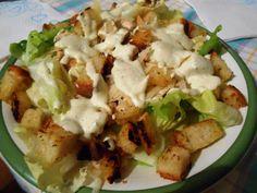 ensalada cesar con la receta de la salsa I Love Food, Good Food, Yummy Food, Tasty, Cesar Salat, Vegetarian Recipes, Cooking Recipes, Light Recipes, Food Hacks