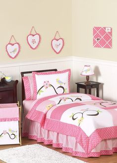 A soft and beautiful bed that would make kids' #bedroom more beautiful.  http://covalhomes.com/