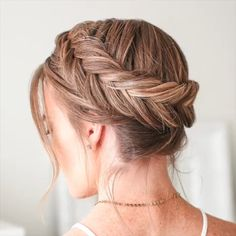 For hair length to the shoulders of such a romantic style is perfect. It looks great with a dress and a sundress. kurze haare flechten videos Amazing Summer Braids for Long Hair 2019 Prom Hairstyles For Long Hair, Braids For Long Hair, Everyday Hairstyles, Summer Hairstyles, Messy Hair, Black Hairstyles, Trendy Hairstyles, Braided Hairstyles Tutorials, Box Braids Hairstyles