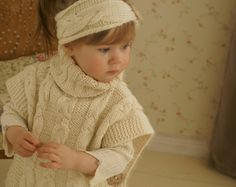 KNITTING PATTERN cable poncho Robyn with a headband por MukiCrafts