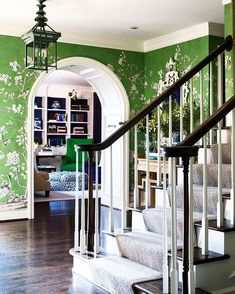 in the Hamptons: Tom Scheerer in East Hampton Green chinoiserie papered foyer and a navy and green library beyond are what dreams are made of. Green chinoiserie papered foyer and a navy and green library beyond are what dreams are made of. Chinoiserie Wallpaper, Chinoiserie Chic, Of Wallpaper, Wallpaper Staircase, Chinese Wallpaper, Home Interior, Interior And Exterior, Interior Decorating, Interior Design