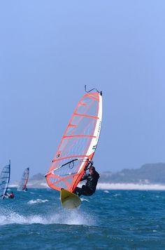 windsurfing mini wave jumping
