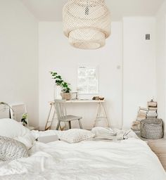 White and natural bedroom styling Nordic Interior Design, Natural Bedroom, Scandinavian Bedroom, Bedroom Styles, White Bedroom, Beautiful Bedrooms, New Room, Bedroom Decor, Ikea