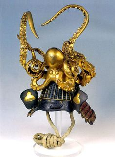 Samurai kabuto adorned with an elaborate decorative octopus (papier-mâché mixed with lacquer). Ca.18th c. Japan.