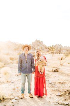 Desert Family Portraits in Joshua Tree | Jenna Bechtholt Photography