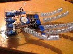 Mão de robô controlada com Arduino - Eletrônica e Circuitos