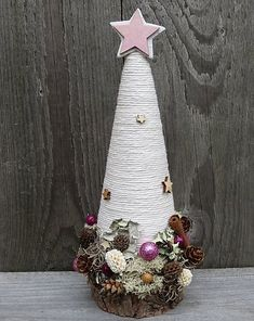 Handmade Christmas Crafts, Wooden Christmas Decorations, Christmas Tree Crafts, Pink Christmas, Holiday Crafts, Christmas Wreaths, Christmas Gifts, Christmas Ornaments, Cone Polystyrene