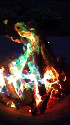 16 Ways To Make Your Backyard FUNtastic This Summer- Mystical Fire mix to make your Bon fires glow in different colors ! Outdoor Sweet 16, Outdoor Fun, Summer Bonfire, Summer Fun, Summer Vibes, Diy Fire Pit, Fire Pit Backyard, Fire Pits, Eco Garden