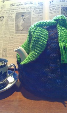 Craft a cure for cancer free tea cosy patterns: Vintage tea cosy patterns Knitted Dishcloth Patterns Free, Tea Cosy Knitting Pattern, Tea Cosy Pattern, Knit Dishcloth, Crochet Potholders, Crochet Geek, Form Crochet, Architecture Design, Knitted Tea Cosies