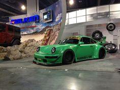Fatlace Porsche 911 by Rauh Welt