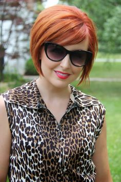 Beautiful woman Lindsey A. Turner @ Thrift and Shout Short Hair With Bangs, Short Hair With Layers, Layered Hair, Short Hair Cuts, Hair Bangs, Short Hairstyles For Women, Hairstyles With Bangs, Pretty Hairstyles, Red Hair Layers