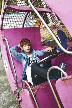 Bangtan Boys - ize Magazine May Issue '14  V Taehyung
