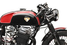 This stunning Honda CB750 cafe racer is the result of a collaboration between Dime City Cycles and Iron & Air Magazine, it was presented to the public...