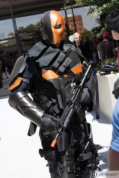 Deathstroke - Slade Wilson - Cosplay - DC Comics - Injustice Gods Among Us Dc Cosplay, Male Cosplay, Cosplay Outfits, Best Cosplay, Anime Cosplay, Cosplay Ideas, Marvel Dc, Deathstroke Cosplay, Armadura Cosplay