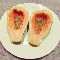SNACK   Papaya & Passion fruit dressing #kaylaitsines #kaylasarmy #thekaylamovement #kayla_itsines #kaylamovement #kaylasbbg #deathbykayla #bbg #bbg1 #bbggirls #bbgcommunity #bbgsisters #bbgfam #fit #fitnessaddict #fitfam #fitnessmotivation #fitlondoners #healthy #healthysnack #healthychoices #eatmorefruit by real_and_not_perfect