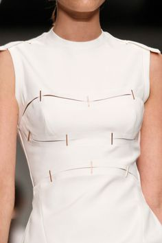 Marios Schwab Spring 2014 RTW - Details - Fashion Week - Runway, Fashion Shows and Collections - Vogue