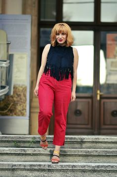 In the summer keep it simple, yet chic! Second Hand Stores, Keep It Simple, Fashion Bloggers, Chic, My Style, Womens Fashion, Summer, Pants, Tops