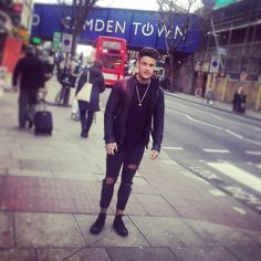 """1,802 mentions J'aime, 20 commentaires - Chet Johnson (@chet_sket) sur Instagram: """"Good day today in #Camden 🇬🇧 #London exciting times ahead 📸"""""""