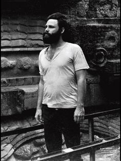 James Douglas Morrison (Diciembre 8, 1943 - Julio 3, 1971) Jim Morrison, Mexico City.
