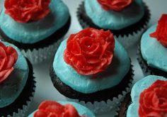 Aqua-Red – Piper Cakes