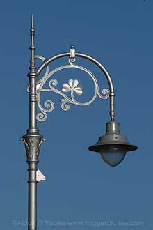 A beautiful Dublin street lamp.The shamrock is just lovely.