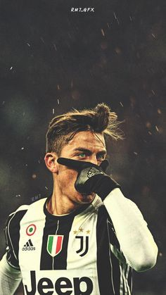Paulo Dybala Photos - Paulo Dybala of Juventus FC celebrates after scoring the opening goal during the TIM Cup match between Juventus FC and AC Milan at Juventus Stadium on January 2017 in Turin, Italy. - Juventus FC v AC Milan - TIM Cup Soccer Pro, Soccer Tips, Play Soccer, Football Players, Soccer Cleats, Soccer Ball, Juventus Fc, Juventus Soccer, Juventus Players
