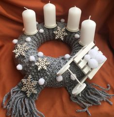 Christmas Crafts, Christmas Decorations, Kids And Parenting, Burlap Wreath, Wreaths, Candles, Seasons, Halloween, Home Decor