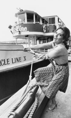 Circle Line celebrates 70 years in New York City Mary Ann And Ginger, Giligans Island, 60s Tv, Old Hollywood Actresses, Classic Tv, Famous Women, Celebs, Celebrities, Rare Photos
