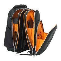 IKEA - UPPTÄCKA, Rugzak, 2-delig, Deze rugzak is makkelijk om te toveren tot twee kleinere rugzakken. Praktisch als je niet zoveel mee hoeft te nemen of als je de rugzak wilt delen met iemand anders.Je rug en schouders krijgen extra ondersteuning omdat het achterstuk een gewatteerde rugbeschermer en schouderbanden heeft. Dan wordt het comfortabeler om zware dingen als boeken te dragen.Je kan je spullen netjes op orde houden en snel weer terugvinden omdat de rugzak meerdere vakken en zelfs…