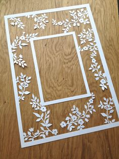 Flower Photo Frame Papercutting Template by TommyandTillyDesign Paper Cutting Patterns, Paper Cutting Templates, Neli Quilling, Quilled Roses, Quilling Comb, Papercut Art, Photo Frame Design, Paper Frames, Flower Photos