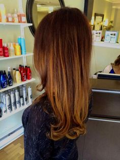 red to copper ombre hair, red hair with copper and golden balayage/flamboyage highlights Love Hair, Great Hair, Gorgeous Hair, Auburn Balayage, Balayage Ombré, Copper Balayage, Hair Color For Women, Hair Color And Cut, Hair Colour