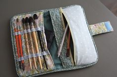 Brush bag / roll - for art items, could be used for makeup bruches too? (In French: http://www.mespetitsriens.com/archives/2011/03/07/20568655.html )
