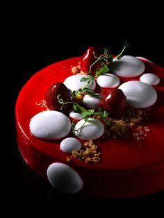 Charlotte [Tahiti vanilla mousse, finger sponge, strawberry coulis, yuzu strawberry jelly, vanilla marshmallow]   Antoinette